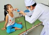 Trung tâm Y tế Tân Thạnh: Chăm sóc tốt sức khỏe trẻ em
