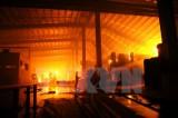 Cháy lớn thiêu rụi cửa hàng sơn, hóa chất ở thành phố Nam Định