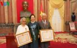 Phó Chủ tịch nước trao Huân chương Hữu nghị cho hai giáo sư gốc Việt