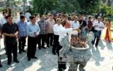 Dâng hương tưởng niệm cố Tổng bí thư Nguyễn Văn Cừ