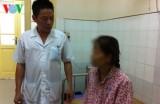 18 y bác sĩ phơi nhiễm HIV: Kẻ khen, người chê!