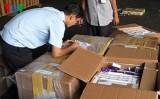 Thu giữ số lượng lớn thuốc tân dược nhập lậu ở Tân Sơn Nhất