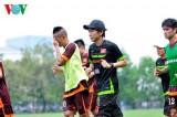 HLV Miura bỏ kỳ nghỉ để tuyển quân đấu với Man City