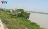 Ra sông Lam bắt ốc, hai em nhỏ chết đuối thương tâm