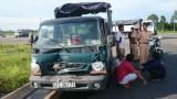 3 xe tải đụng nhau trên giao lộ