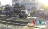 Hà Nội: Tàu hỏa đâm ô tô, 1 phụ nữ tử vong tại chỗ