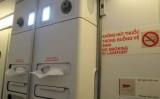 Hành khách bị trói vì hút thuốc và chống đối tiếp viên trên máy bay