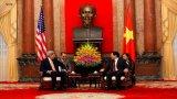 Hình ảnh ngày đầu Ngoại trưởng Mỹ John Kerry tới Hà Nội