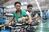 Thị trường tài chính Việt Nam rung lắc mạnh theo tỉ giá