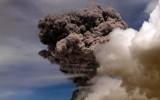"""Núi lửa Cotopaxi """"tỉnh giấc"""", Ecuador ban bố tình trạng đặc biệt"""