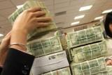 Điều chỉnh tỉ giá VND/USD: Doanh nghiệp lao đao, công nhân lo lắng