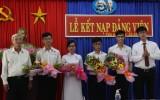 Trường THPT Chuyên Long An kết nạp Đảng cho 4 học sinh