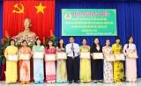 Cần Đước: 44 nữ công đoàn viên được tặng kỷ niệm chương