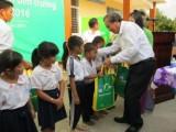 Bí thư Trung ương Đảng, Chánh án Tòa án nhân dân tối cao -Trương Hòa Bình dự chương trình hỗ trợ con em nông dân đến trường
