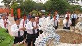 Viếng nghĩa trang liệt sĩ nhân kỷ niệm 70 năm Quốc khánh 2-9