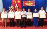 Tân Hưng, Cần Giuộc: 48 đảng viên được nhận huy hiệu Đảng