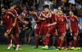 Đòi nợ Slovakia, Tây Ban Nha chiếm ngôi đầu bảng và Anh giành vé đến EURO 2016
