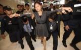 Khách Trung Quốc ăn cắp viên kim cương 280.000USD bằng cách nuốt