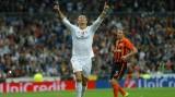 Ronaldo đi vào lịch sử Champions League, bỏ xa Lionel Messi