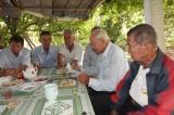 Vườn thơ Khánh Hậu - Niềm vui tuổi già