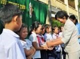 Vui Trung thu cùng học sinh trường Khánh Hậu