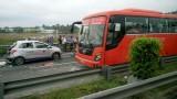 Tai nạn liên hoàn trên đường cao tốc, 1 người chết, 4 người bị thương nặng