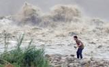 Bão Dujuan đổ bộ vào Trung Quốc sau khi càn quét Đài Loan