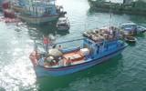 15 ngư dân và tàu cá hỏng máy ở Trường Sa đã được đưa vào bờ an toàn