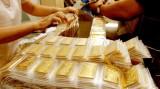 Giá vàng tăng vút, USD hồi phục