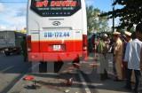 Truy tìm lái xe khách bỏ chạy sau khi gây tai nạn chết người