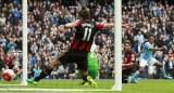 Man City và M.U đại thắng, Chelsea trọn niềm vui