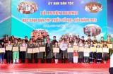 Vinh danh 122 học sinh dân tộc thiểu số học giỏi năm 2015