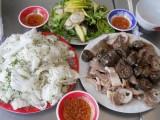 Ngất ngây với món bánh hỏi, lòng heo đất Phú Yên