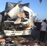 Hà Tĩnh: Đâm vào đuôi xe tải đầu kéo, 2 người chết