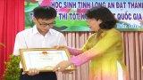 Trao học bổng cho 115 học sinh có thành tích xuất sắc