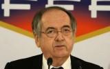 Khủng bố tại Paris đe dọa quyền đăng cai EURO 2016 của Pháp