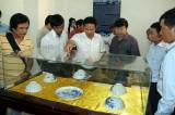 Trưng bày đồ sứ thời chúa Nguyễn