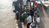 Ca nô du lịch đâm trụ cầu, 2 người chết