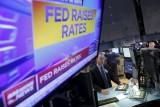 Fed tăng lãi suất 0,25%,  chứng khoán Mỹ tăng, dầu giảm giá