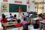 Học sinh xã Ninh Hiệp đi học trở lại sau nhiều ngày bị ép nghỉ