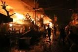 Đốt pháo gây hỏa hoạn, 1.000 ngôi nhà bị thiêu rụi