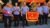 Viện Kiểm sát nhân dân tỉnh Long An nhận cờ thi đua