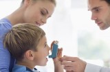 Mẹ bầu uống nhiều paracetamol con dễ bị hen suyễn