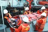 Hải quân Việt Nam cứu hộ được 104 người bị nạn trên biển