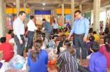 Cứu trợ bà con người Việt và người Campuchia bị hỏa hoạn