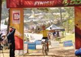 Cua-rơ ngoại thắng áp đảo Giải đua xe đạp địa hình