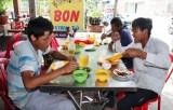 Nhọc nhằn bữa cơm người lao động nghèo