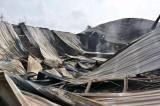 Xưởng chế biến composite 2 tỉ đồng cháy rụi trong đêm