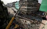 Sập cầu vượt Ấn Độ: 24 người chết, còn hơn 100 người kẹt trong đổ nát