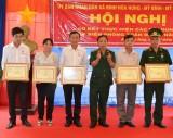 """Long An: 63 cán bộ, nhân dân biên giới được tặng Kỷ niệm chương """"Vì chủ quyền an ninh biên giới Tổ quốc"""""""